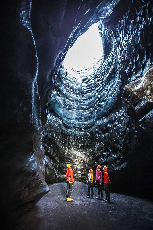 Nur wenige Stunden von Reykjavík entfernt liegt eine versteckte Eishöhle – die genaue Location ist nur wenigen bekannt. Foto: Mountain Guides