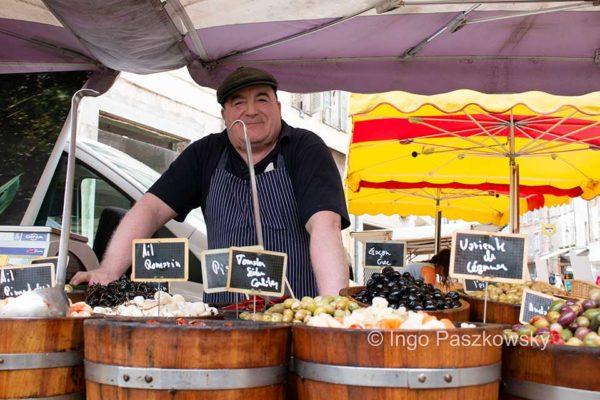 Markttag in Avallon. Foto: Ingo Paszkowsky