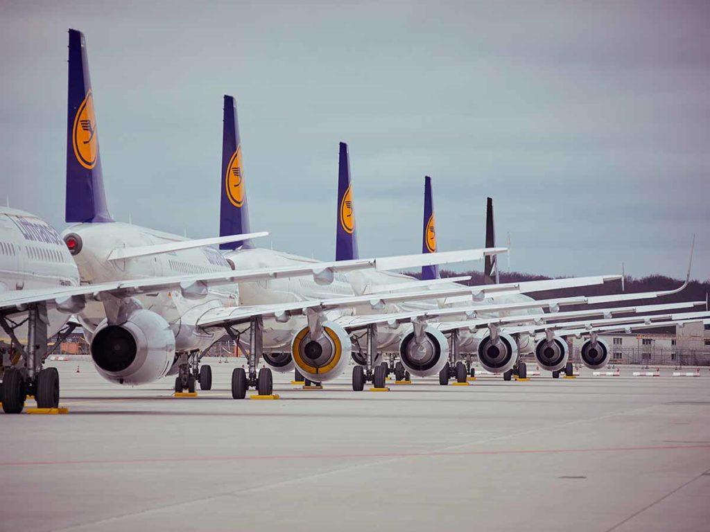 In Reih und Glied warten die Lufthansa-Jets in Frankfurt über Weihnachten auf den Start am 1. Januar 2019. Foto: Lufthansa / Oliver Roesler