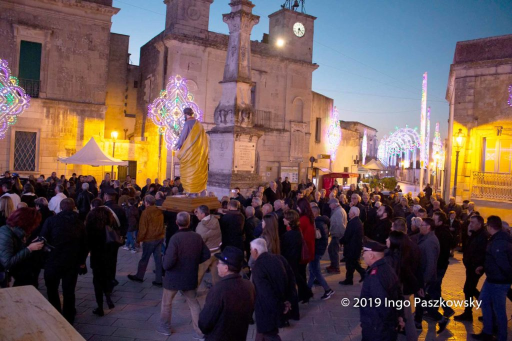 Prozession in Giurdignano anläßlich der Tafeln des San Giuseppe. Foto: Ingo Paszkowsky