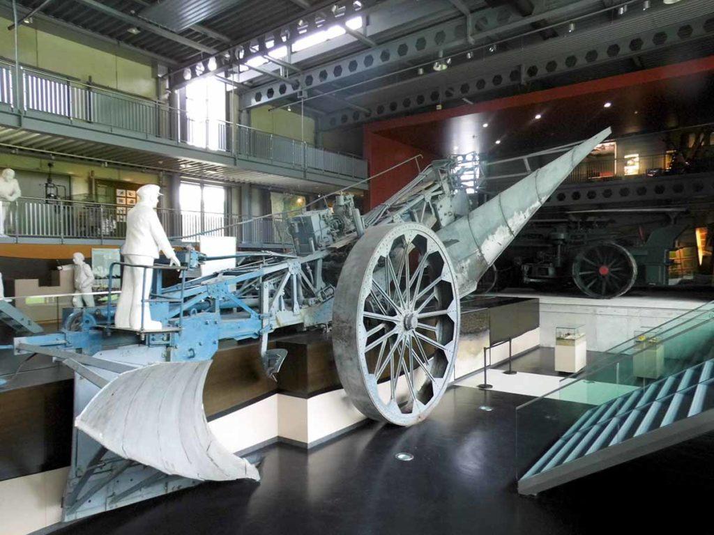 Emsland: Riesenpflug im Museum