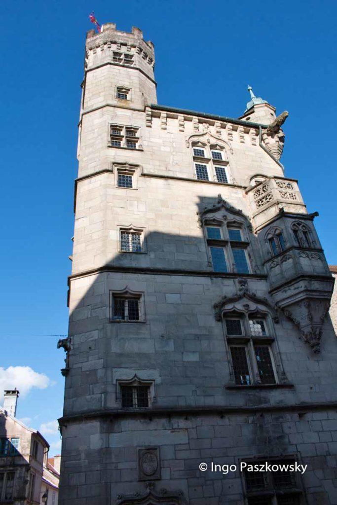 Der Schöffenturm in Luxeuil-les-Bains