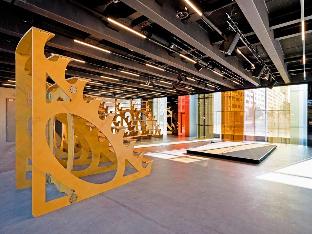 Bauhaus Museum in Dessau, offene Bühne / Foto: Stiftung Bauhaus Dessau / Thomas Meyer/OSTKREUZ
