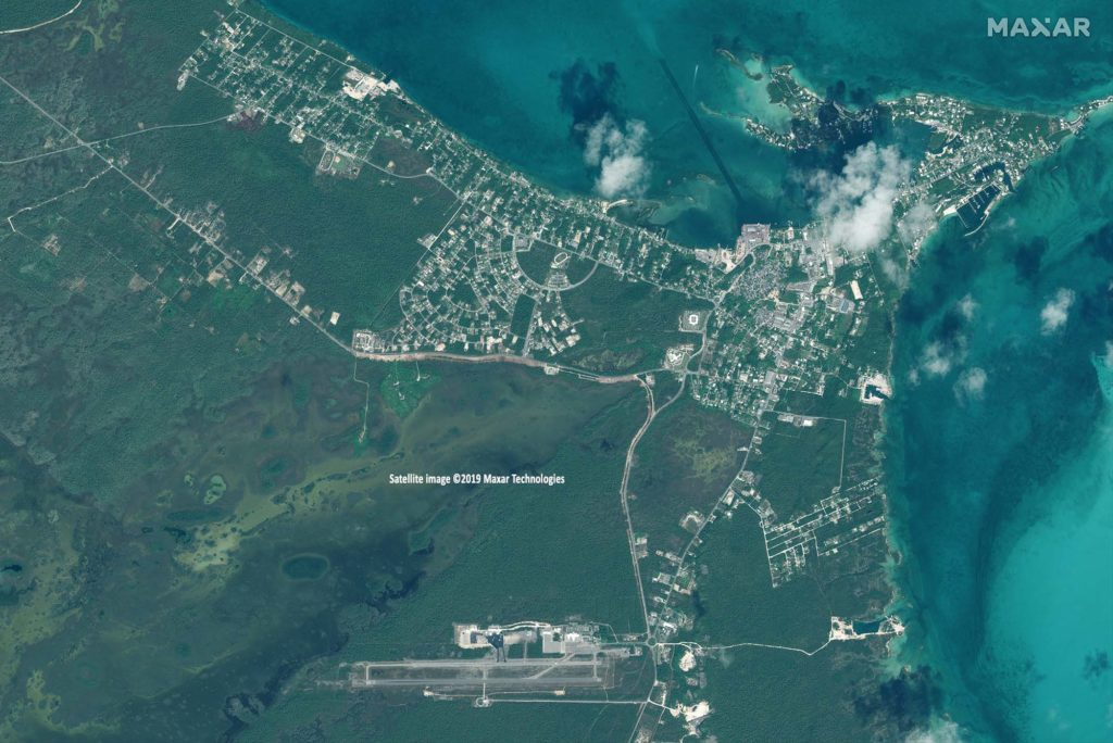 Marsh Harbour, Great Abaco Island am 25. Oktober 2018 / Satellite image ©2019 Maxar Technologies
