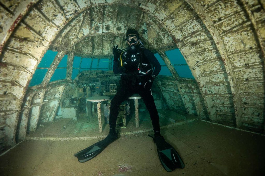 Der Unterwasser-Themenpark Dive Bahrain besteht aus einer 70 Meter langen Boeing 747, die 20 bis 22 Meter unter der Oberfläche von Hair Al Shathiya, einem geschützten Meeresgebiet im Nordosten des Festlandes, liegt. / Foto: Dive Bahrain