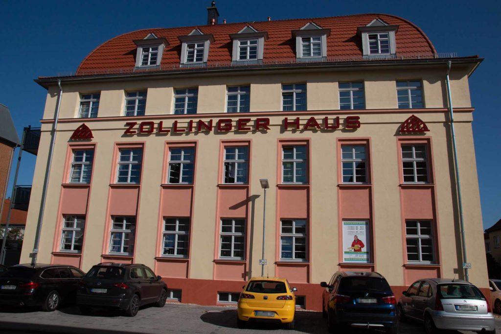 Zollinger Haus Vorderansicht. Foto: Ingo Paszkowsky