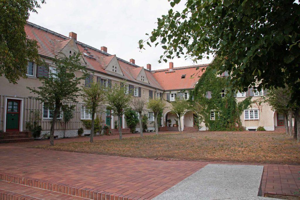 Die Piesteritzer Werkssiedlung diente einst für die mehr als tausend Menschen des ehemaligen Reichsstickstoffwerkes als zu Hause. / Foto: Ingo Paszkowsky