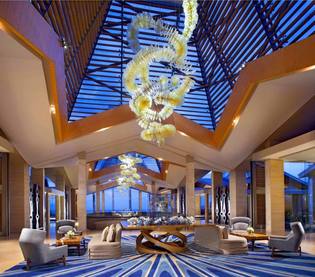 Lobby im Mulia Resort / Copyright: The Mulia, Mulia Resort & Villas – Nusa Dua, Bali
