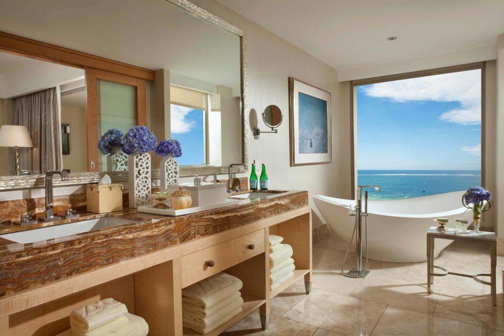 Badezimmer in der Royal Suite / Copyright: The Mulia, Mulia Resort & Villas – Nusa Dua, Bali