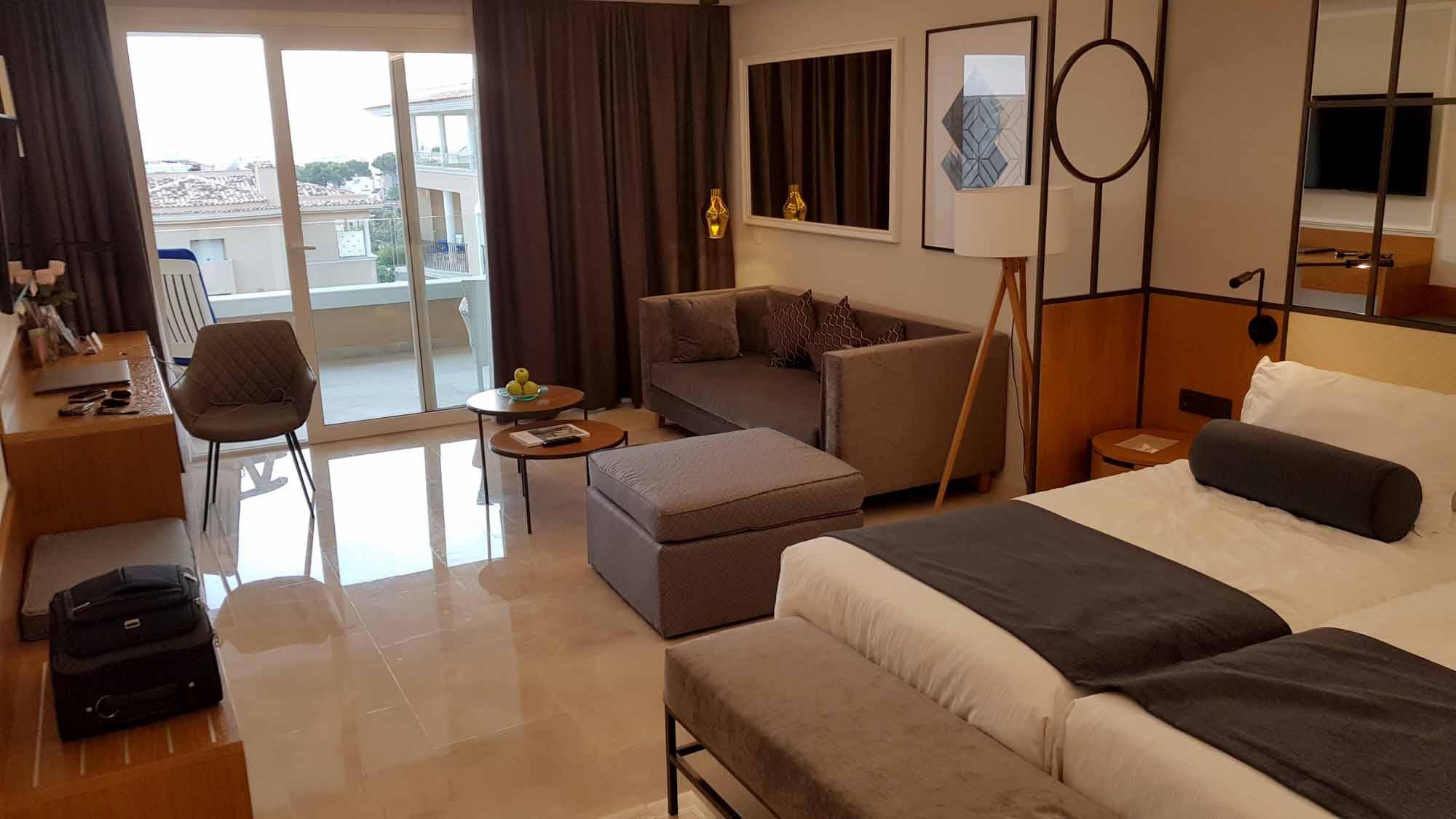 Großzügige Zimmer im Grupotel Playa de Palma Prestige Suites & Spa. / Foto: Joshua Donath