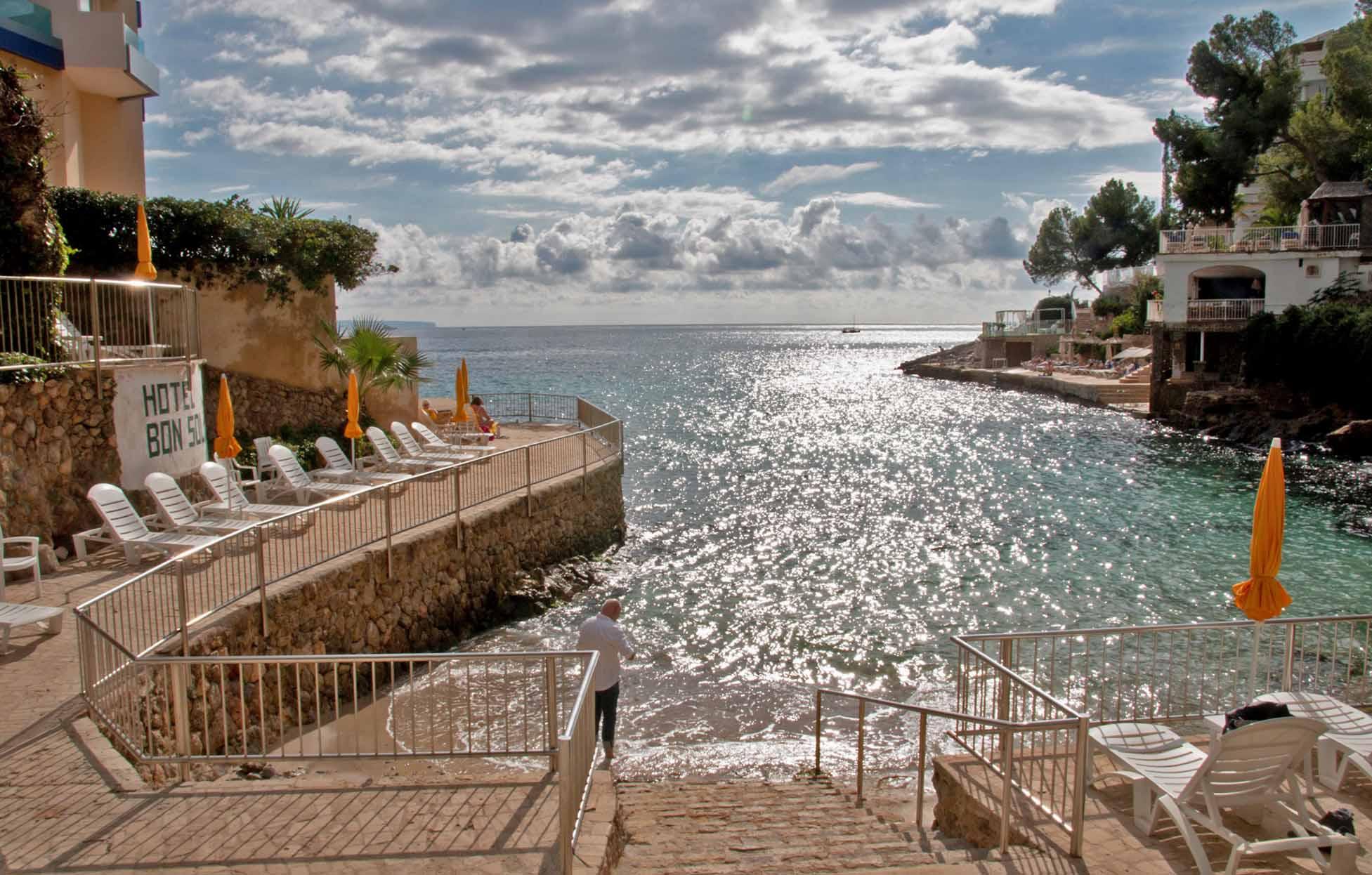 Kleiner, aber feiner Strand des Hotels Bonsol / Foto: Joshua Donath