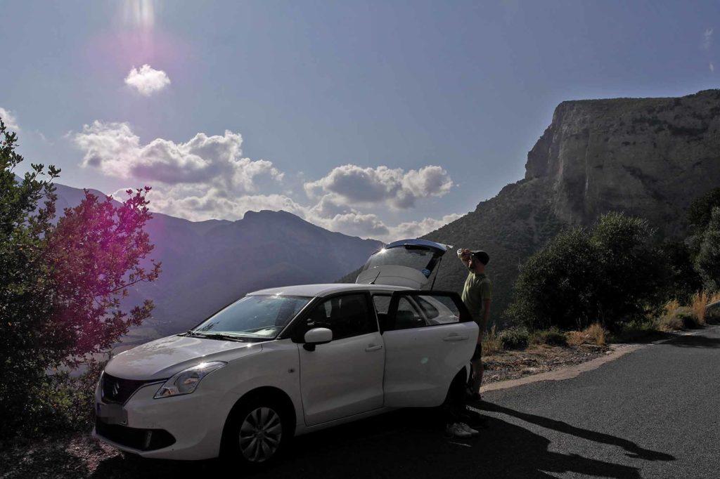 Ankunft in Leonidio – und sofort wird Ausschau gehalten nach den besten Kletterspots / Foto: Christiane Hildebrandt