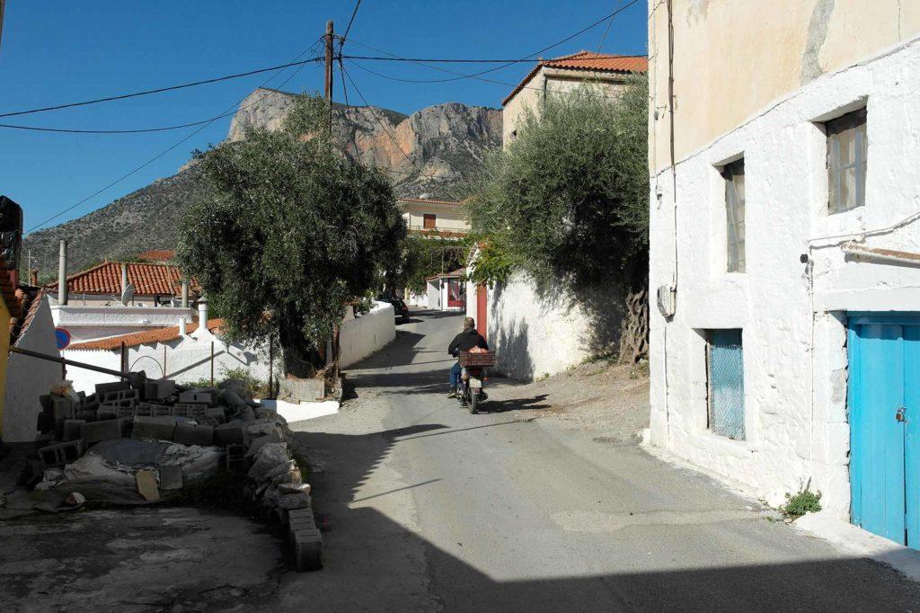 Das Moped ist das praktischste Fortbewegungsmittel in den vielen kleinen griechischen Gassen / Foto: Christiane Hildebrandt