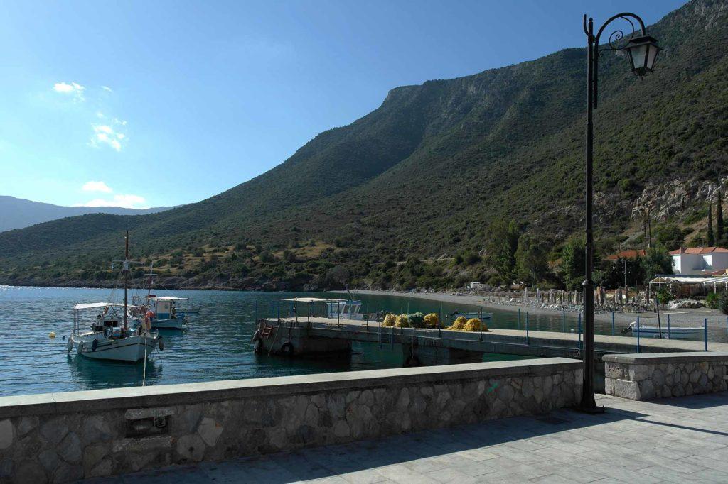 Leonidio hat nicht nur die Kletterfelsen und ein traumhaftes Hinterland zu bieten, sondern auch das Meer / Foto: Christiane Hildebrandt