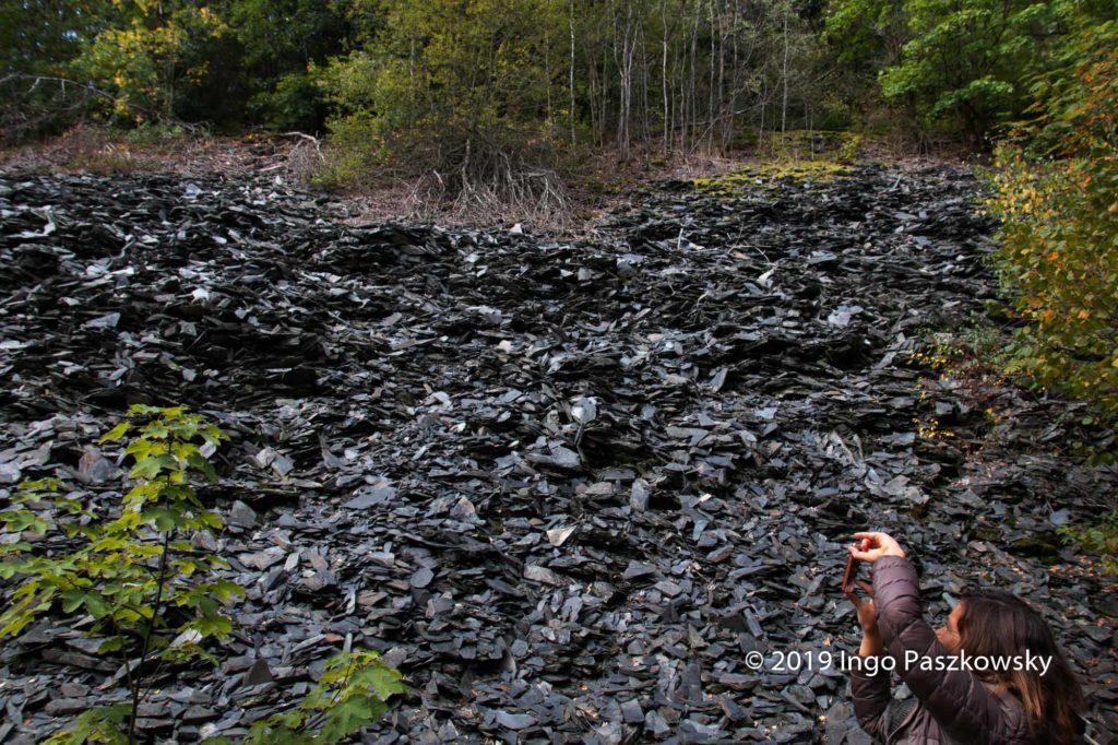 Riesige Abraumhalden zegen von den ehemaligen Steinbrüchen / Foto: Ingo Paszkowsky
