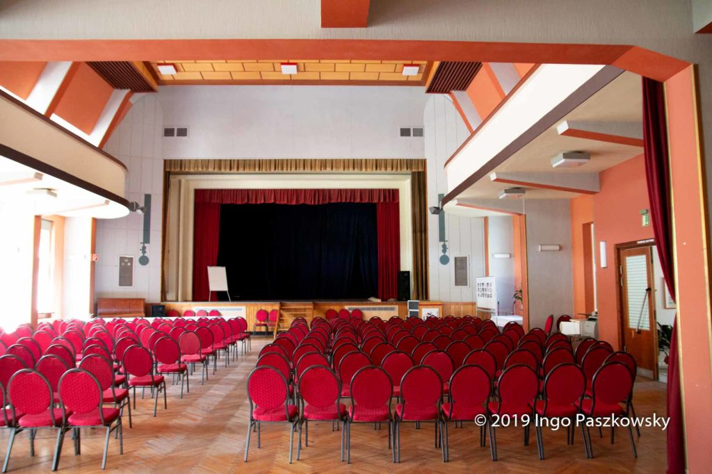 Der große Veranstaltungssaal / Foto: Ingo Paszkowsky