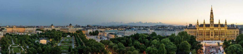 Blick auf die Ringstraße vom Wiener Burgtheater / Copyright Wien Tourismus / Christian Stemper