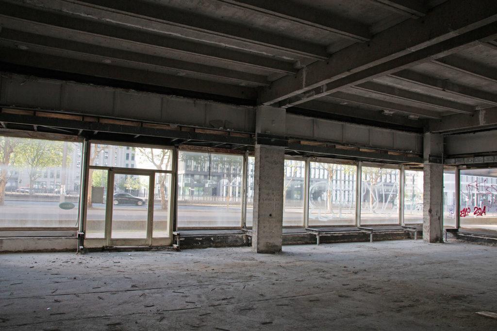 Allesandersplatz - das ehemalige Haus der Statistik wird entkernt / Foto: Ingo Paszkowsky