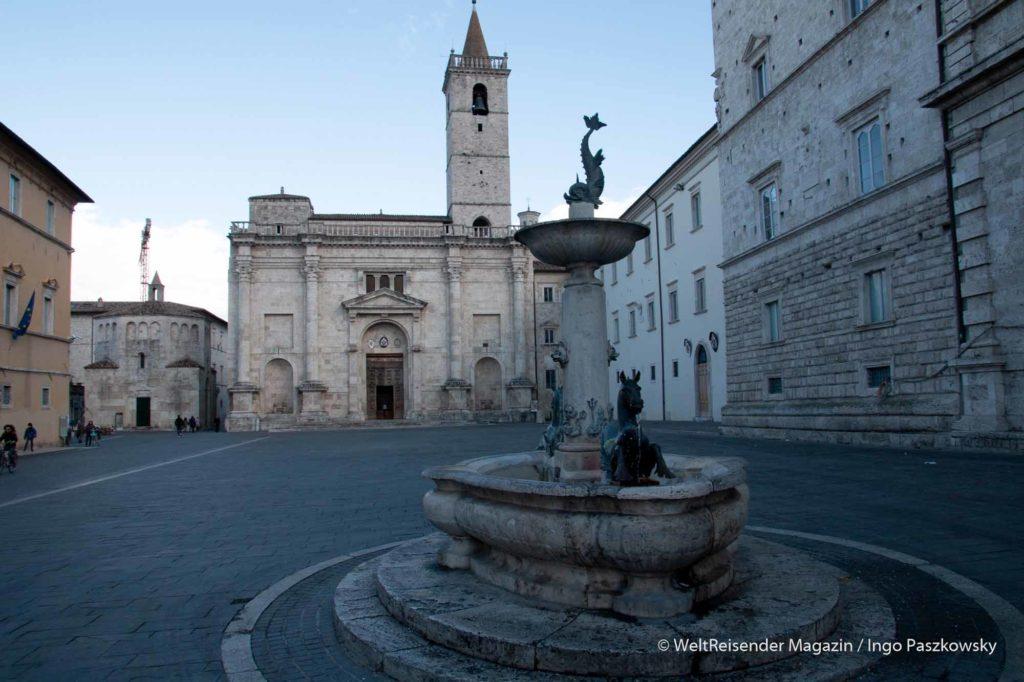 Piazza del Popolo in Ascoli Piceno / Foto: Ingo Paszkowsky