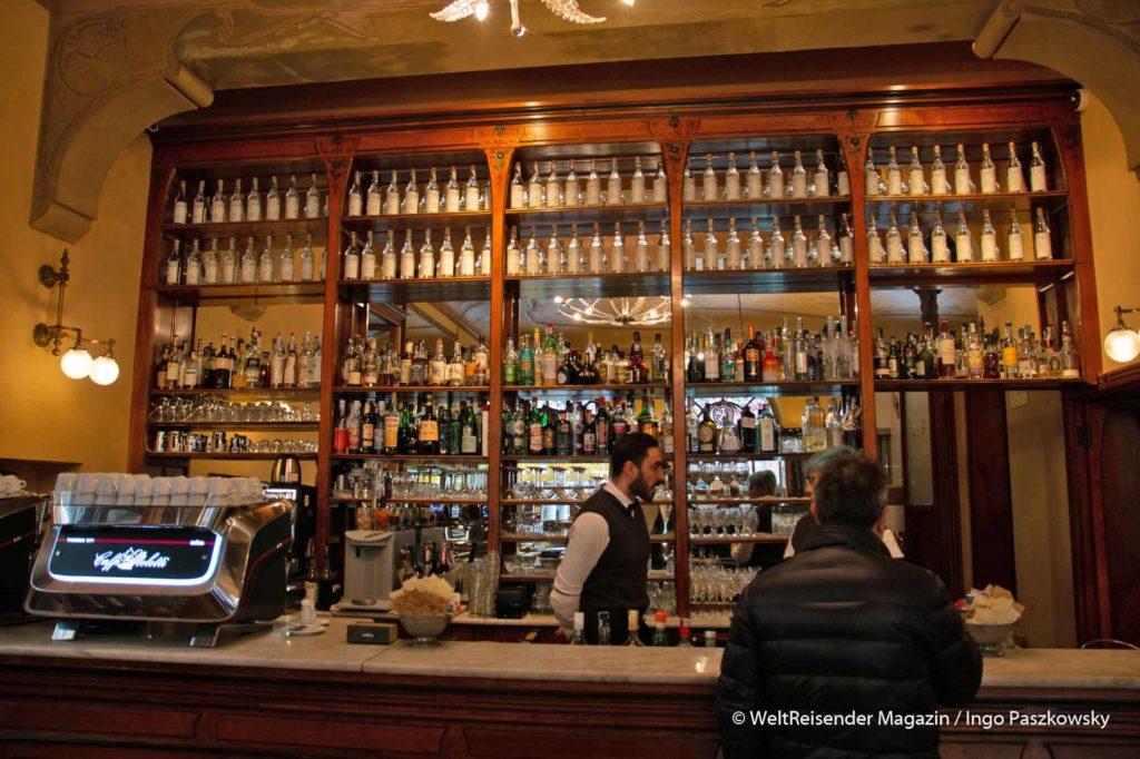 Antico Caffè Meletti an der Piazza del Popolo in Ascoli Piceno / Foto: Ingo Paszkowsky