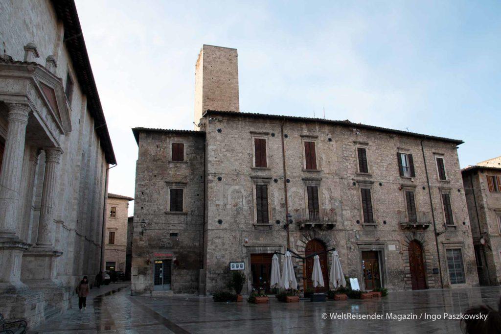 Ascoli Piceno ist die Stadt der Geschlechtertürme / Foto: Ingo Paszkowsky