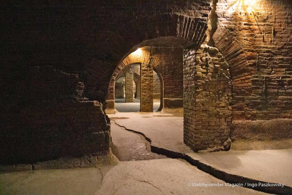 Die römischen Zisternen, Cisterne Romane oer Piscine Romane, in Fermo / Foto: Ingo Paszkowsky