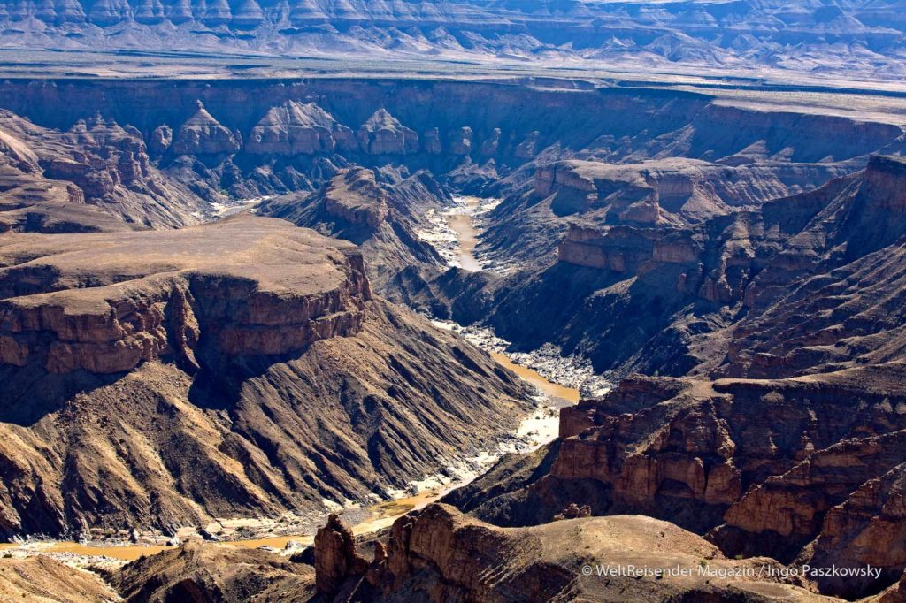 Blick über den Fish River Canyon in Namibia, den zweitgrößten Canyon der Welt / Foto: Ingo Paszkowsky