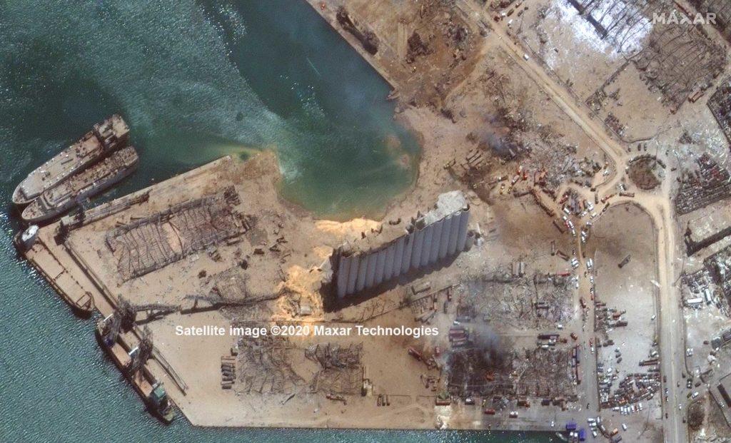 Das Gebiet um das Getreidesilo nach der Explosion. Die Aufnahme wurden einen Tag nach der Explosion gefertigt. Der Explositionsort ist gut zu erkennen / Foto: Satellite image ©2020 Maxar Technologies