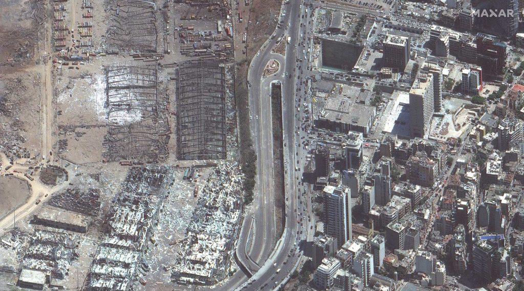 Das Ausmaß der Zerstörungen ist riesengroß, hier zerstörte Lagerhäuser und Wohnhäuser. Aufnahme vom 5. August 2020 / Foto: Satellite image ©2020 Maxar Technologies