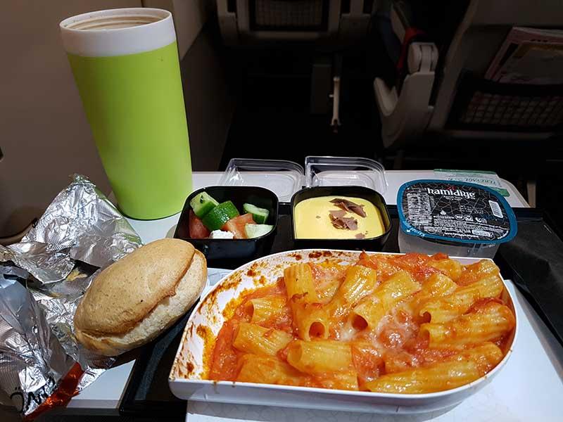 Abendrot im Flieger A321 von Turkish Airlines von Berlin nach Istanbul. Foto: WeltReisender.net / Stefanie Gendera