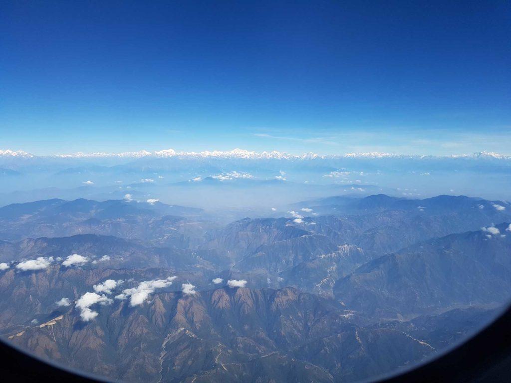 Berge über Berge. Auf dem Weg nach Nepal mit Airbus A330-300 von Turkish Airlines. Foto: WeltReisender.net / Stefanie Gendera