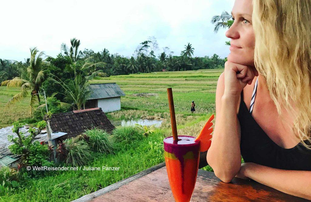 Juliane auf Bali in Ubud, das zum Verwaltungsbezirk Gianyar gehört / © WeltReisender.net / Juliane Panzer