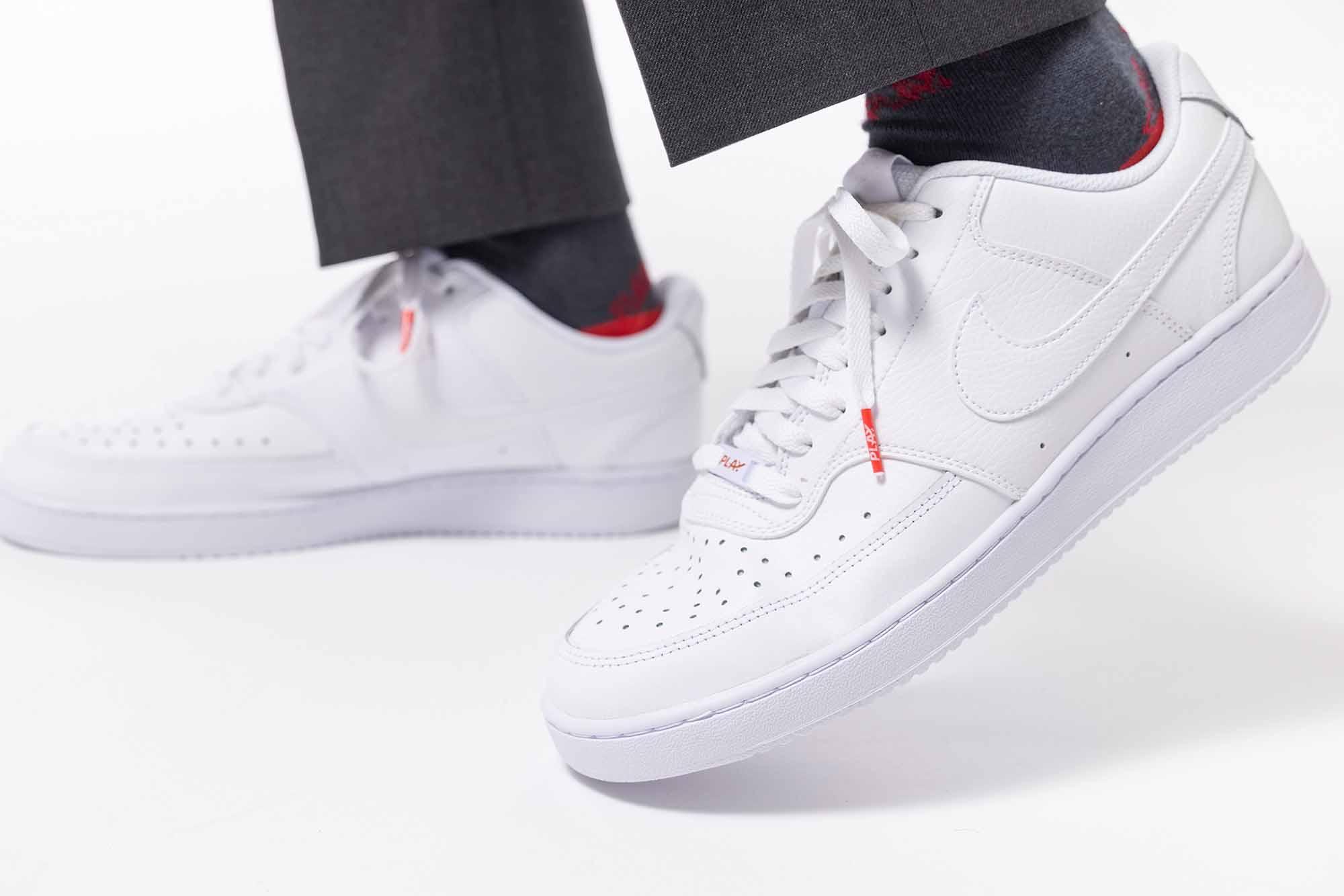 Bequem unterwegs mit Sneakers / Foto: PLAY