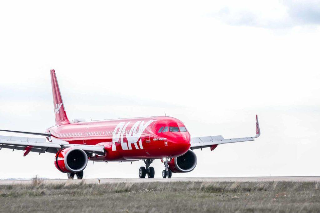 Mit insgesamt drei Airbus A321neo, deren strahlend rote Lackierung ein Blickfang am Flughafen und am Himmel ist, wird die Airline in den kommenden Wochen Reykjavik mit verschieden