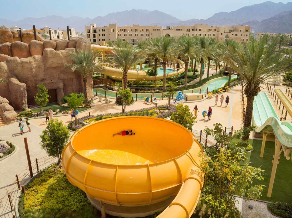 Wasserpark-Besucher werden von einzigartigen Fahrgeschäften überwältigt, die es im Jordanien noch nie gegeben hat / © Saraya Aqaba Waterpark