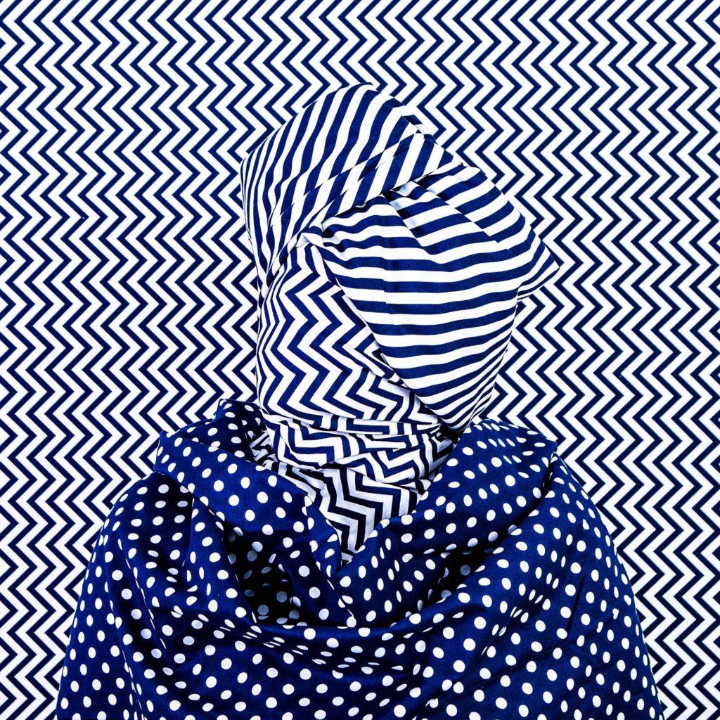 Artist: Alia Ali (USA – born 1985) Title: Chevron, Indigo Series, 2019 /  Image courtesy of the artist and Gallery Peter Sillem, Frankfurt, Germany