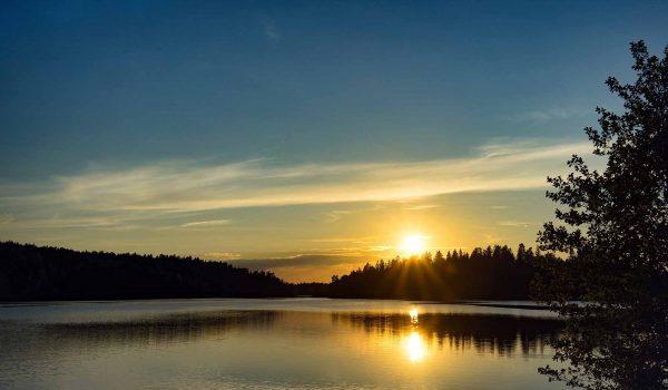 Sonnenuntergang in Schwedens Wildnis /